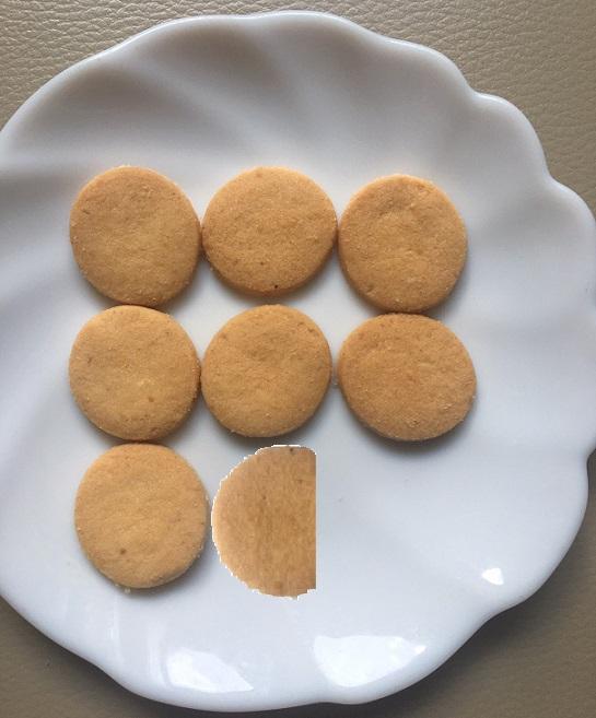 クッキー7.4個分
